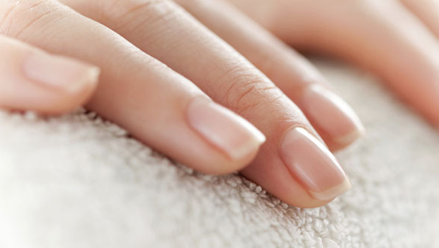 NATURAL REMEDIES TO TAKE CARE OF YOUR NAILS